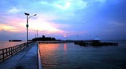 Foto Menunggu Sunset di Jembatan Cinta Pulau Tidung terbaik