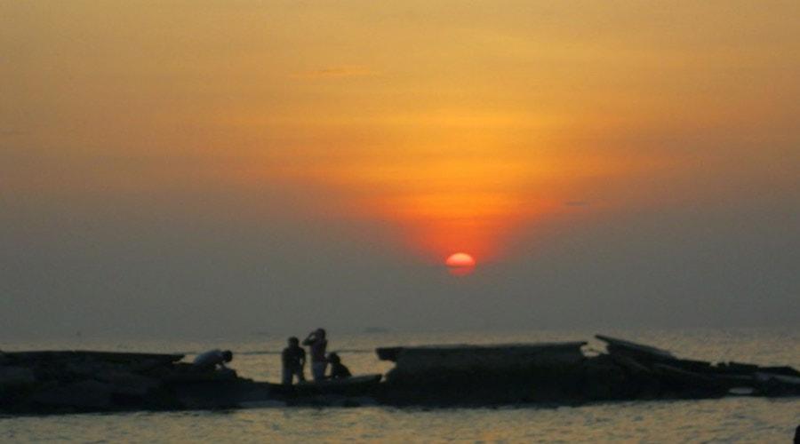 sunset bukit pulau pari