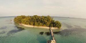 pantai pulau semak daun