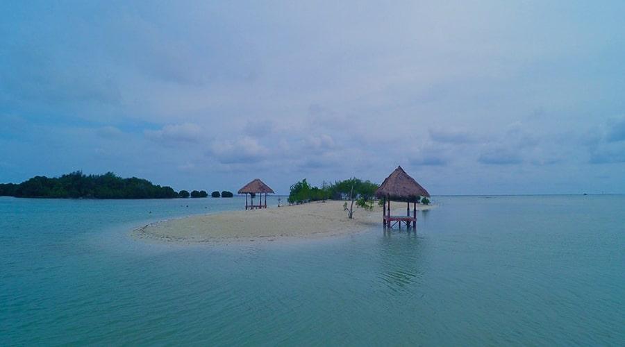 pantai pulau pari