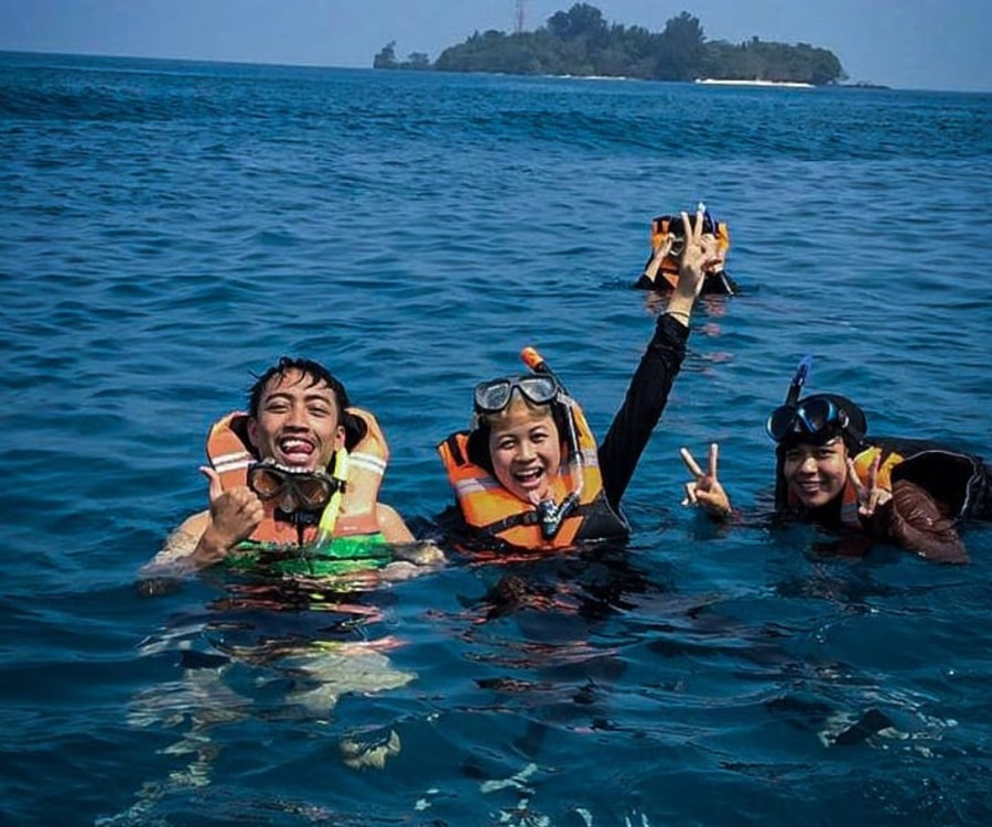 snorkling pulau pari