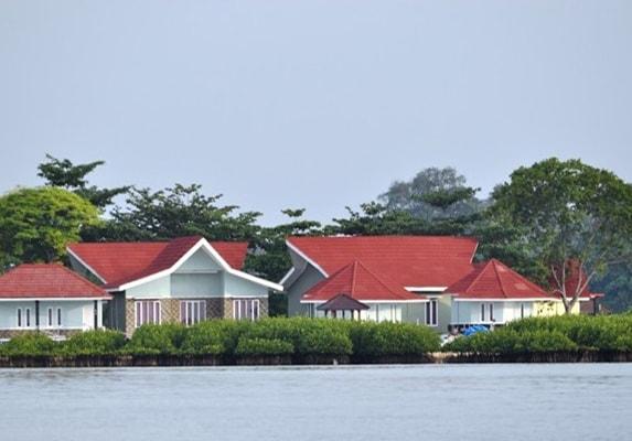 tour pulau royal