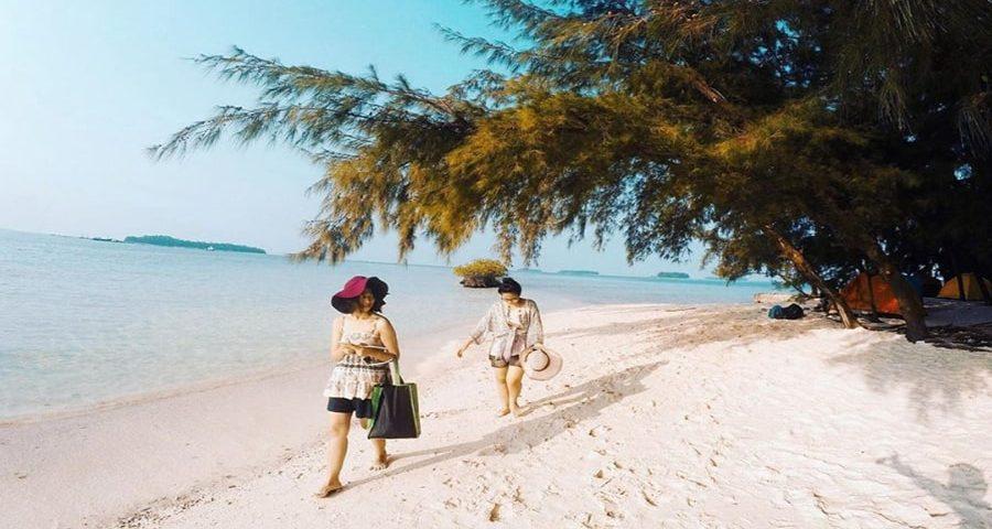 Pulau Seribu Backpacker